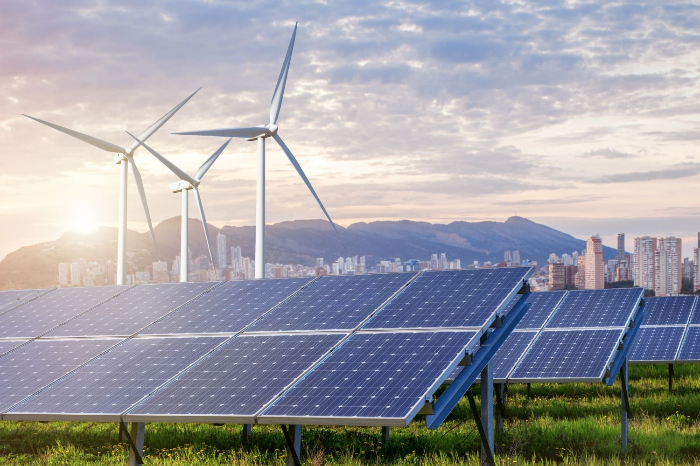 Windkraft- und Solaranlagen