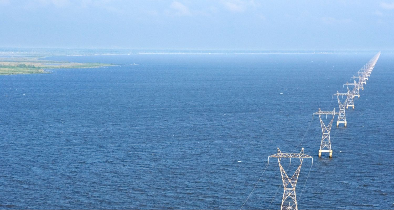 Eine Stromtrasse durch's Meer